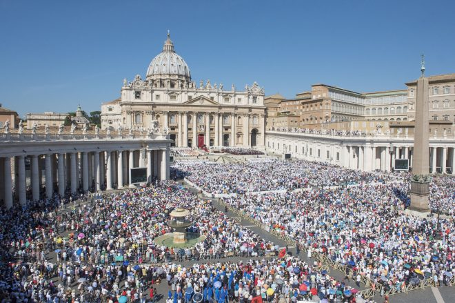 mother-teresa-is-canonised-by-pope-francis-at-the-vatican-23-1